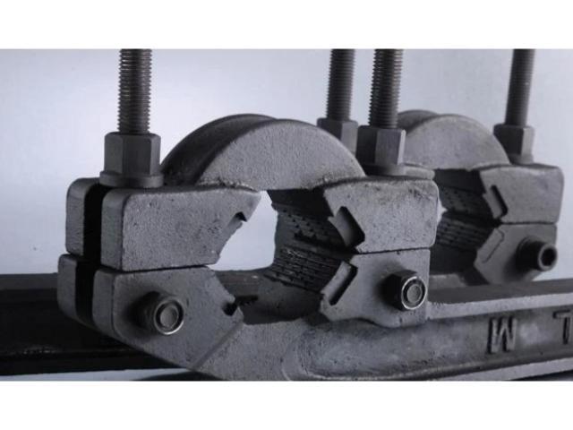Ключ механический для раскручивания буровых штанг
