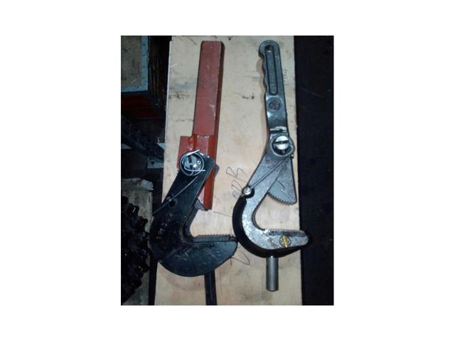 Ключи для раскручивания штанг гнб И Нефтеной пром