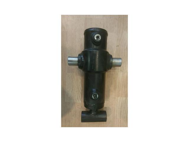 Цилиндр поворота тисков Vermeer D80x100